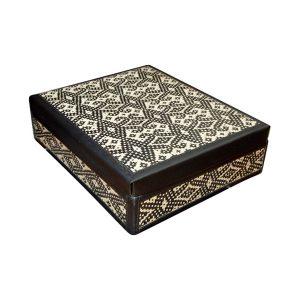 Kelarai-Gift-Box-with-PVC