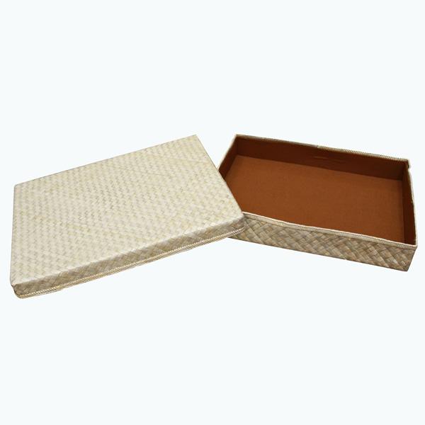 Pandan-Gift-Box–(13-x-10)—Open