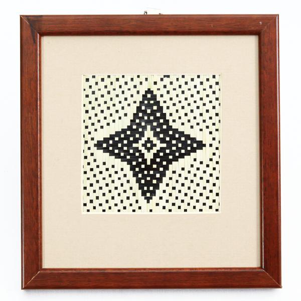 Kelarai-Frame-7in-(L)-x-8in-(H)—Minangayam